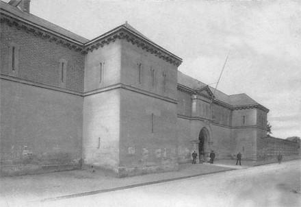 La prison Bonne Nouvelle où Jules Durand fut incarcéré, d'abord en détention provisoire du 16 au 25/10/1910, puis dans le quartier des condamnés à mort jusqu'à sa grâce partielle du 31/12/1910. L'innnocent Durand ne sera libéré que le 16 février 1911.