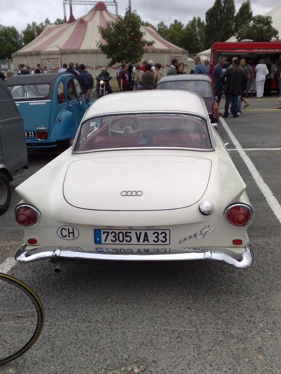 RETOUR sur le vieux continent :Audi ??? Vue de croupe
