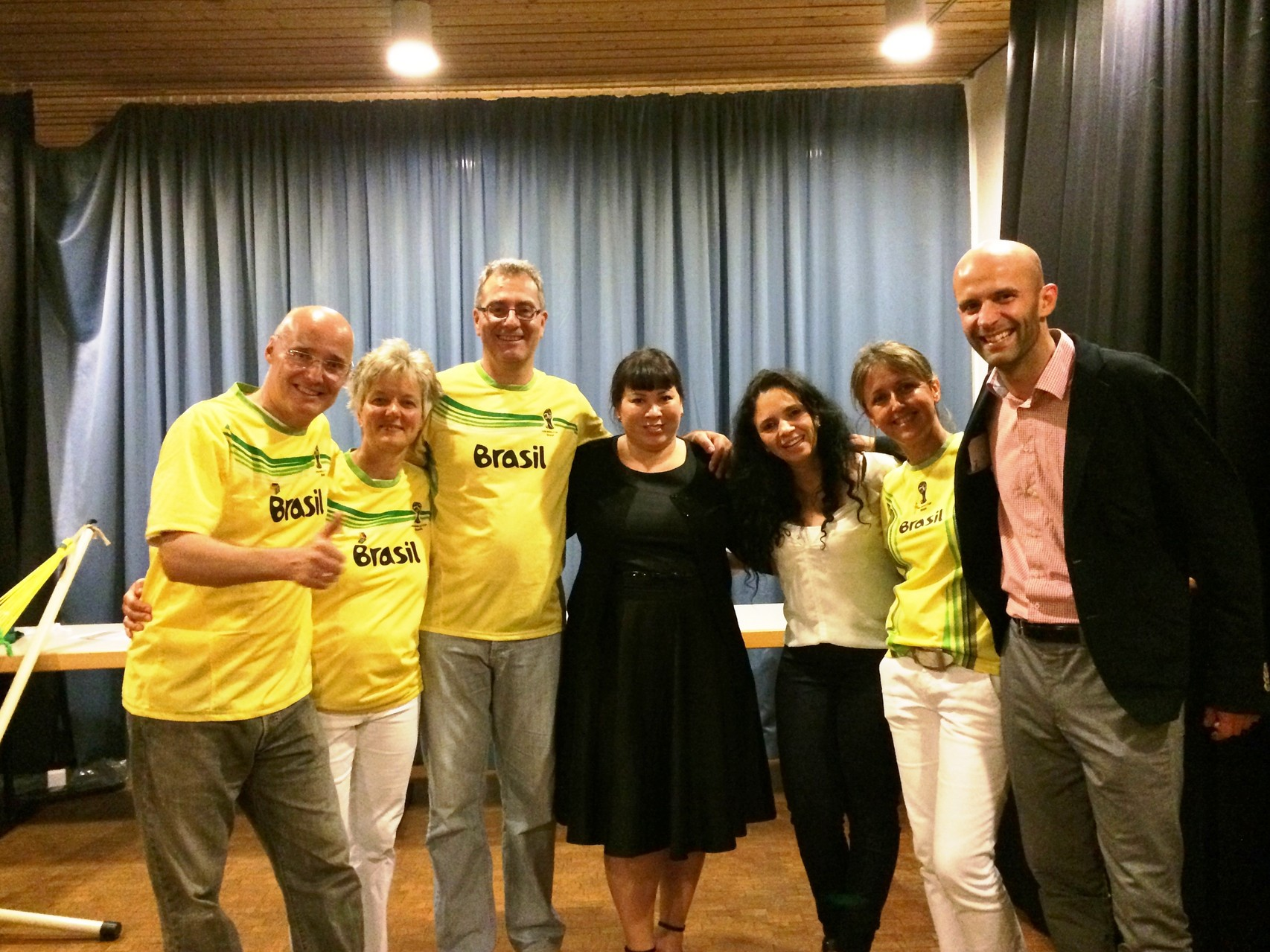 Teile des Vorstandes mit Hauptsponsor La Siesta aus Jugenheim