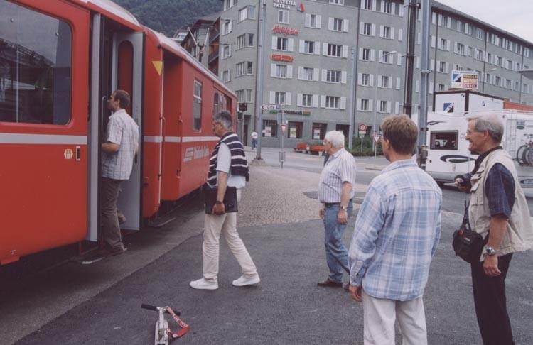 Ein kurzes Stück fahren wir mit der Arosabahn durch Chur