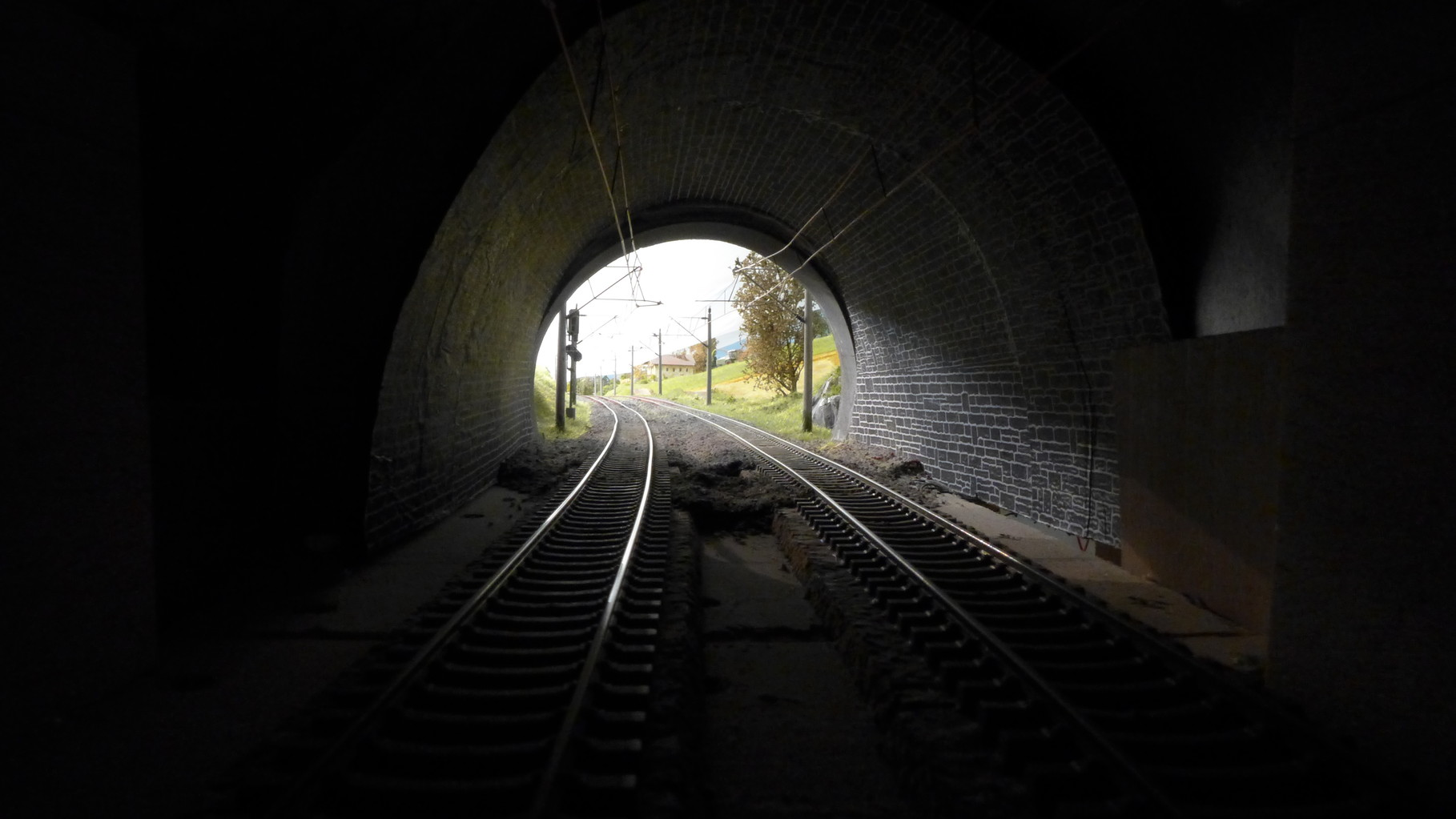 Tunnelausfahrt zur Neubaustrecke (Schnellfahrstrecke)