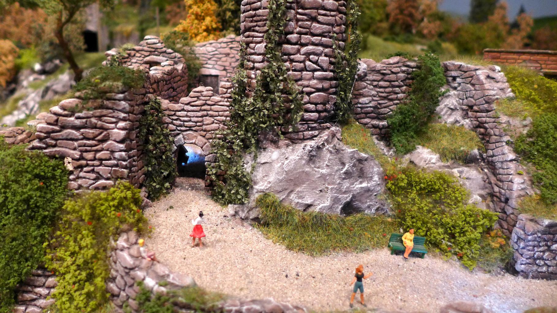 Vorhof der Ruine