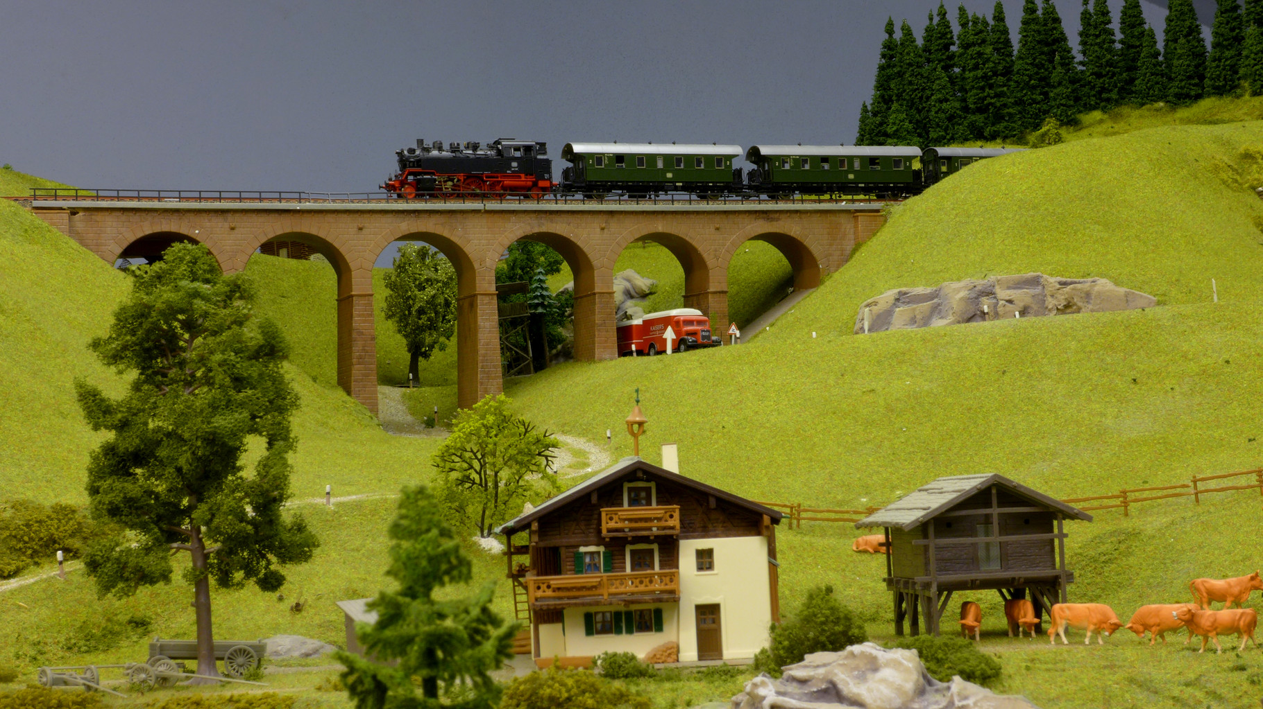 """BR 64 (aus Roco-Startpackung) mit """"Donnerbüchsen"""" aufdem Wege von Fernbach zur Buttermilchalm"""