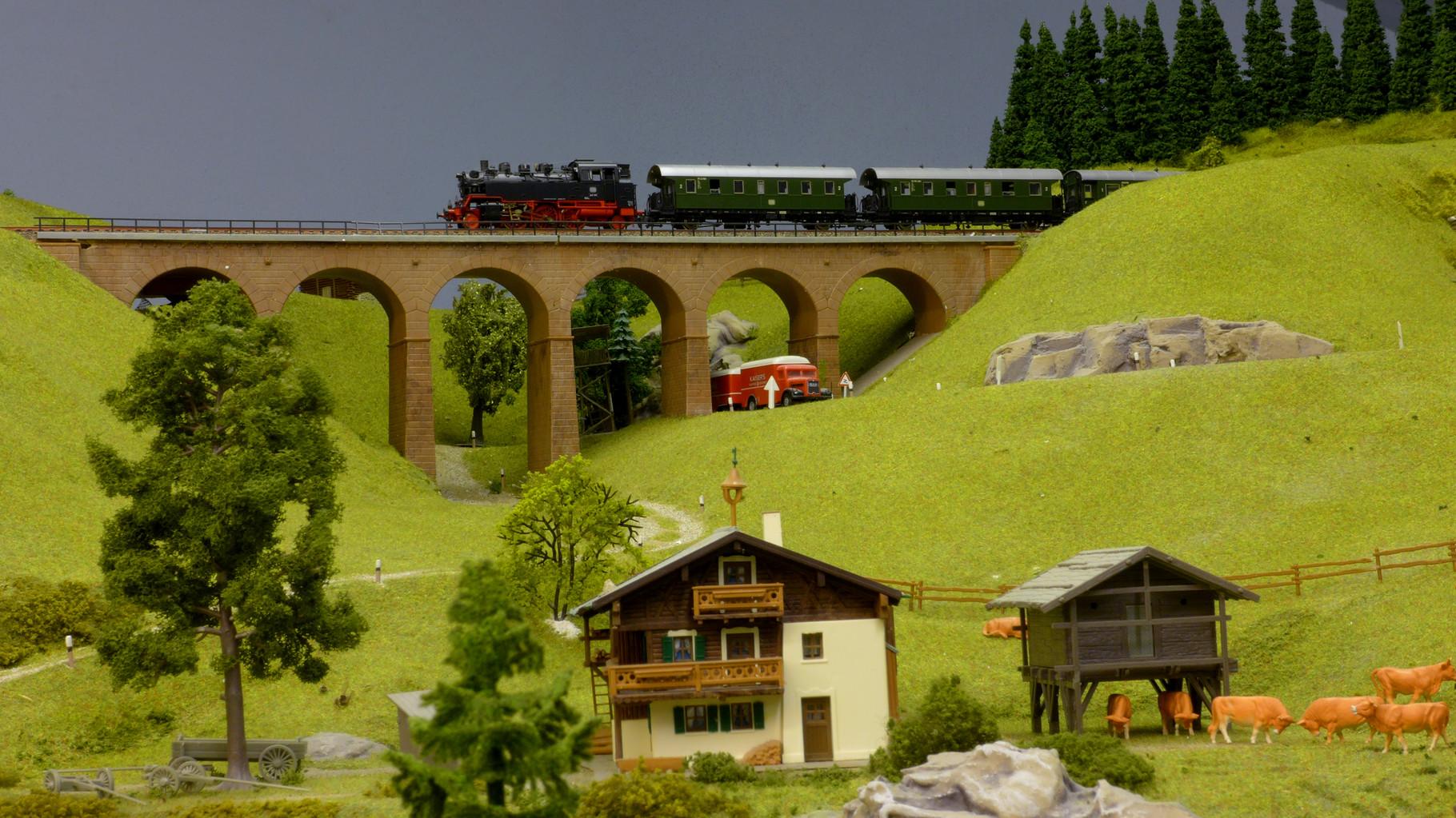 """BR 64 (aus Roco-Startpackung) mit """"Donnerbüchsen"""" auf dem Wege von Fernbach zur Buttermilchalm"""
