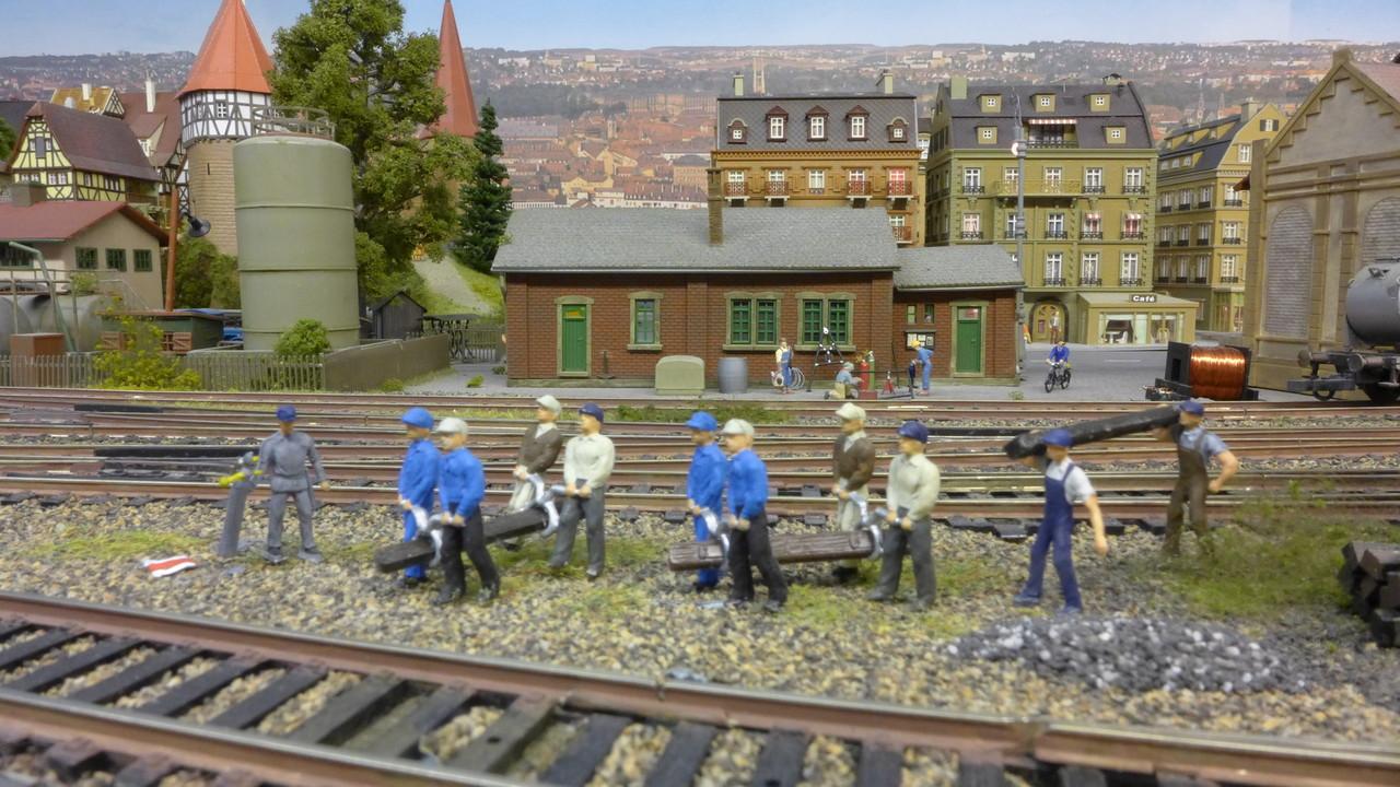 Gleisbauarbeiten im Weichenbereich von Baden-Baden-West