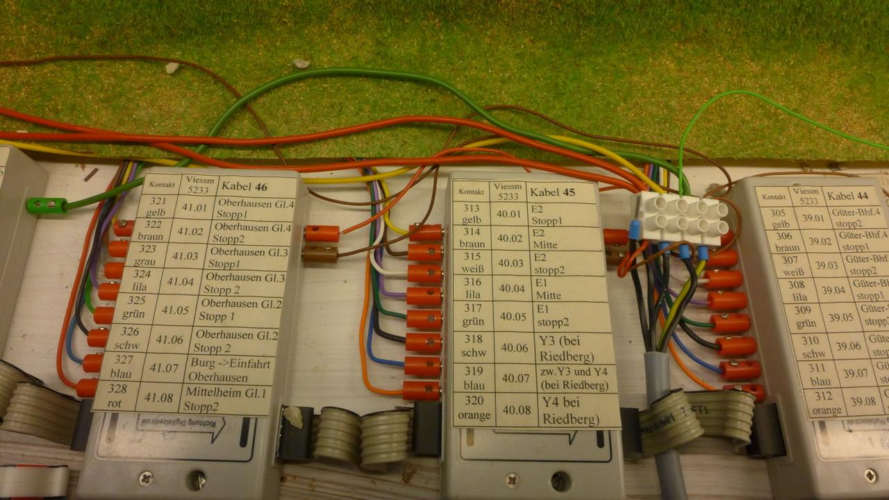8-fach-Rückmeldemdule mit integrierten Gleisbesetztmeldern von Viessman