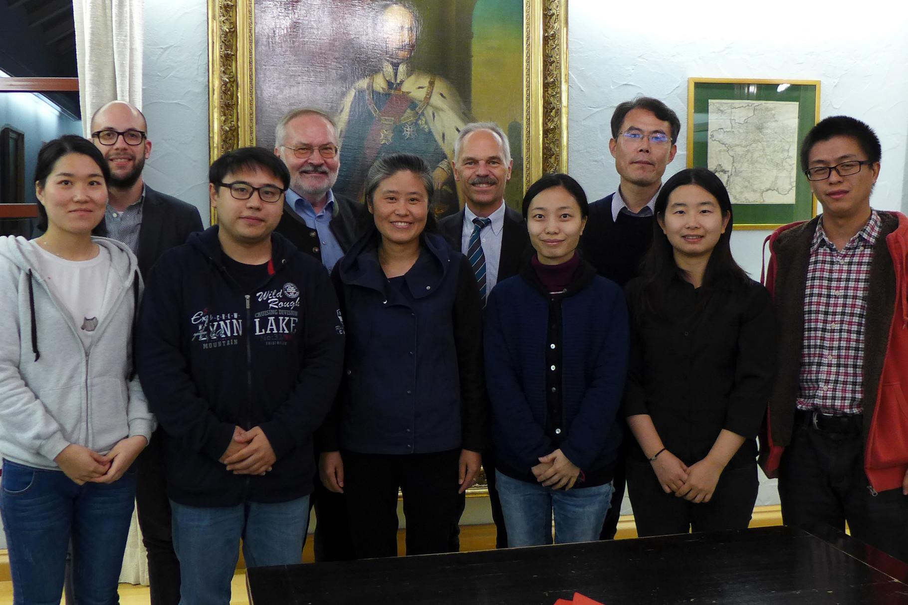 17.11.2015: Bgm. Grubwinkler empfängt chin. Lehrerdelegation im Eggenfeldener Rathaus