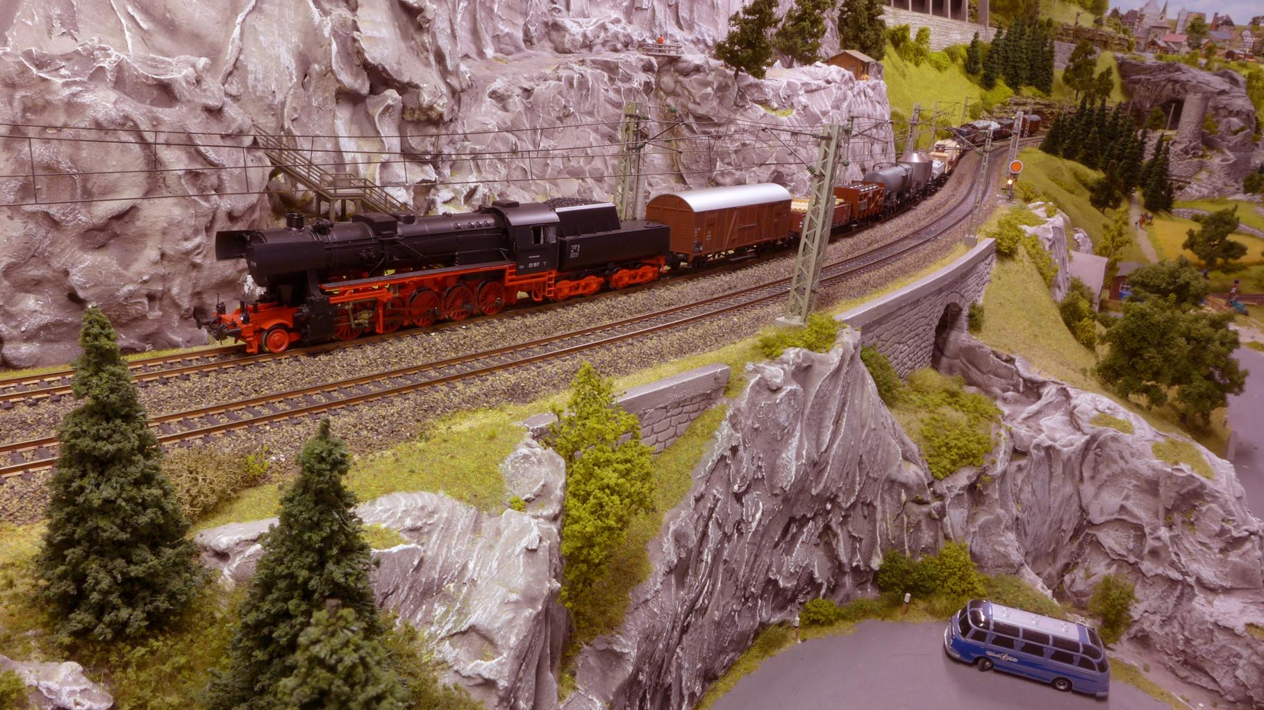 BR 52 von Roco auf dem Wege von Westheim nach Baden-Baden