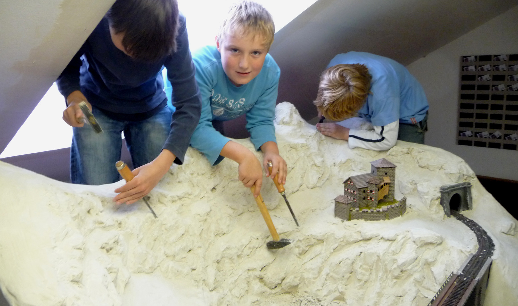 Unsere Jugend beim Gebirgs-Bau  2.10.2010