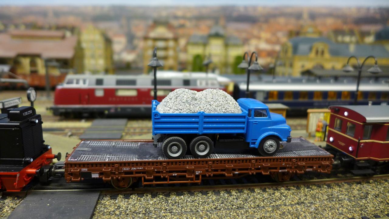 Autotransport im gemischten Personenzug (Epoche III)