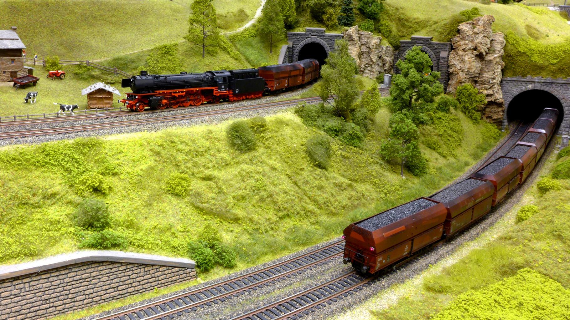 BR 41 von Trix mit Kohlezug