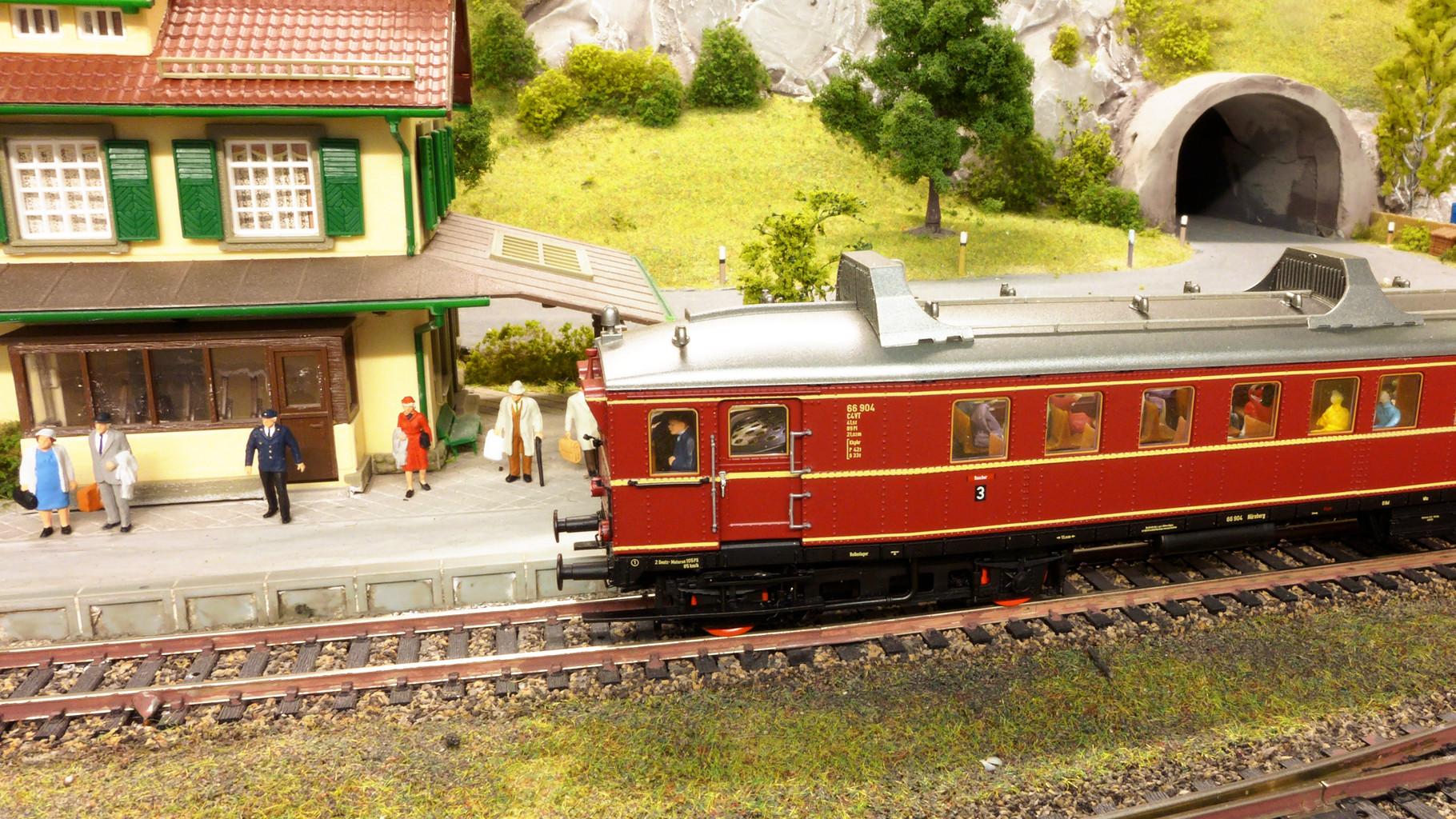 VT66.9 von BRAWA hat Einfahrt in Riedberg