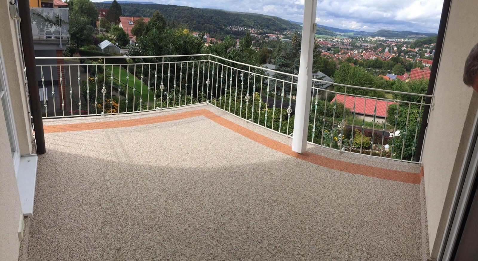 Balkonsanierung mit Steinteppich in Meiningen mit Blick auf´s Werratal