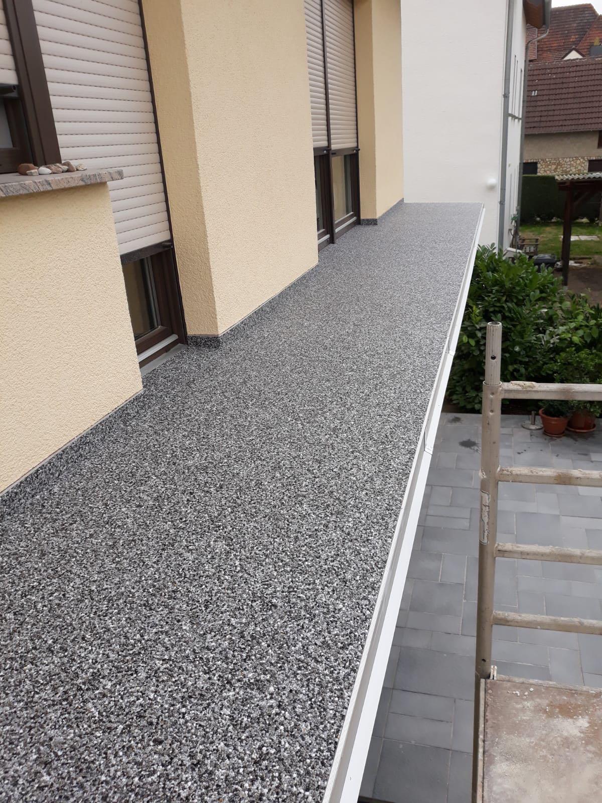 Balkonsanierung mit Steinteppich in der Rhön