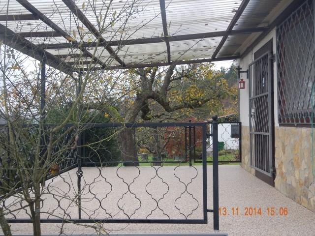 Gartenterrasse in Meiningen mit Steinteppich