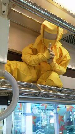 伊賀上野では電車の網棚にも忍者がいます!
