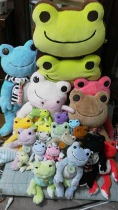 カエルキャラの「ピクルス」 娘のコレクションです。数が凄いでしょう。
