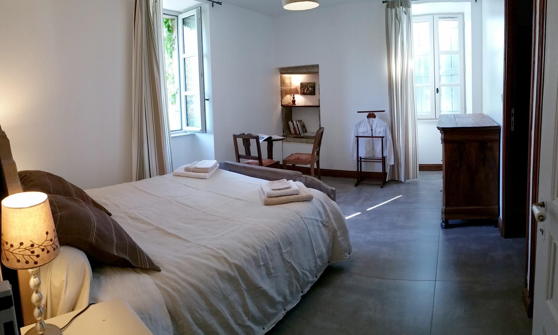 La chambre Vallée : 2 pers, gîte pour 2 pers dans la vallée de la Dordogne
