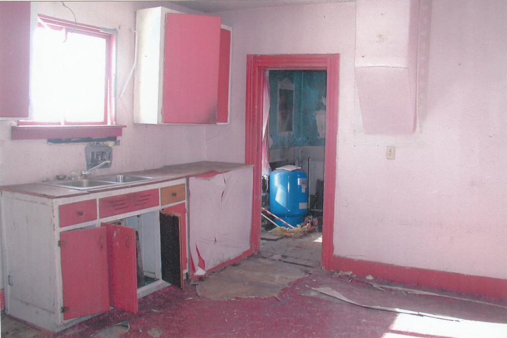farmhouse - kitchen, before