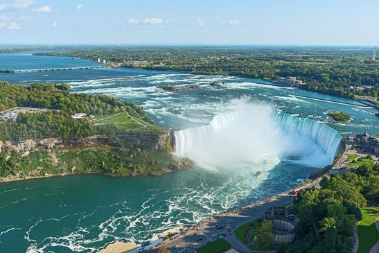 Vue aérienne des Chutes du Niagara - Crédit : photodune - niagara-falls-ontario-canada
