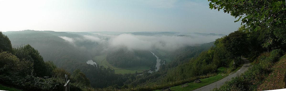 Le tombeau de géant dans les Ardennes Belges ! - By Mlefter (Own work) [CC BY-SA 3.0 (http://creativecommons.org/licenses/by-sa/3.0)], via Wikimedia Commons