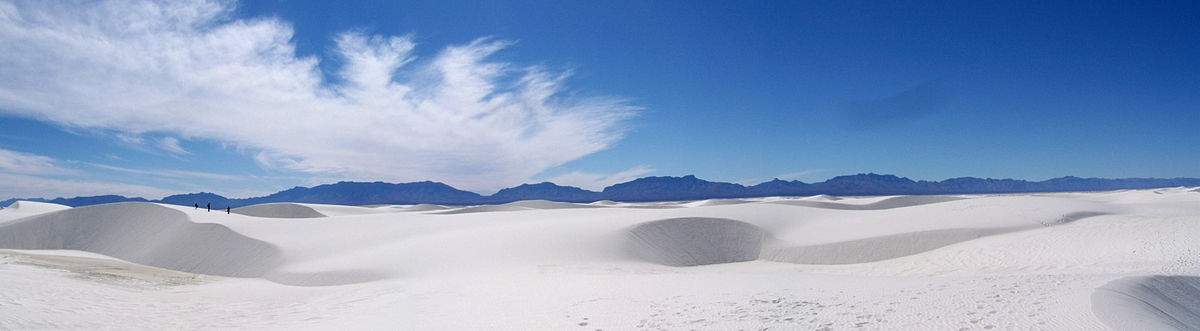 Le White Sands Desert - By Footwarrior (Own work) [CC BY-SA 3.0 (http://creativecommons.org/licenses/by-sa/3.0)], via Wikimedia Commons
