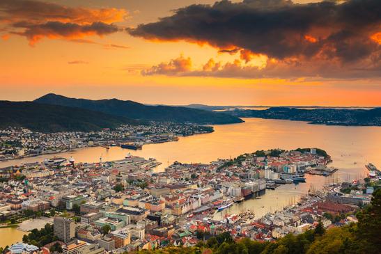 Vue panoramique sur Bergen depuis le sommet du funiculaire ! - Crédit Photo : Photodune - Voyagerix