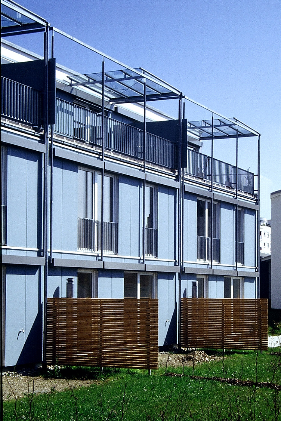 Häuser mit geschützten Dachterrassen