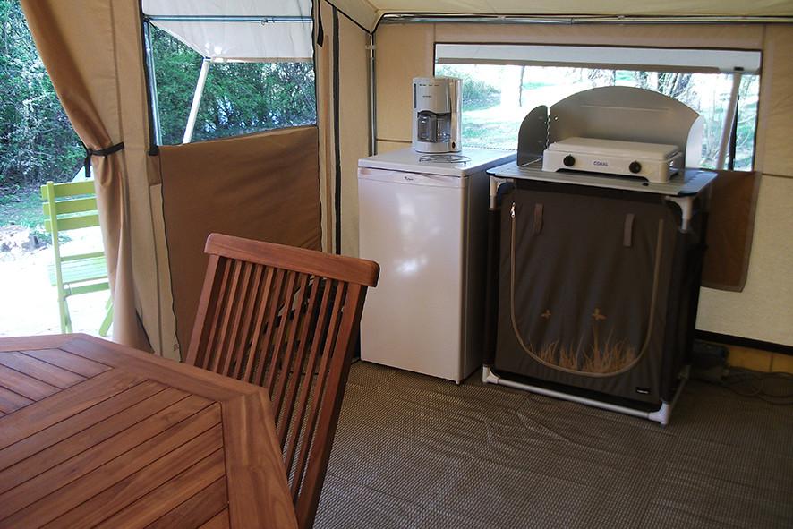 Camping Sites & Paysages  Les Saules à Cheverny - Loire Valley - Cabatente tout confort