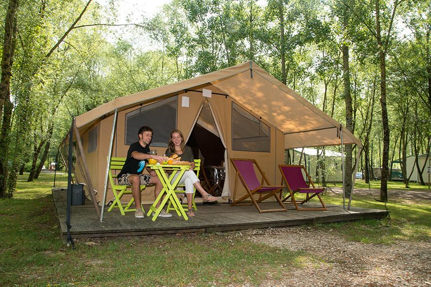 """Camping Sites & Paysages  Les Saules à Cheverny - Loire Valley - L'esprit de la """"Canadienne"""" et du camping"""