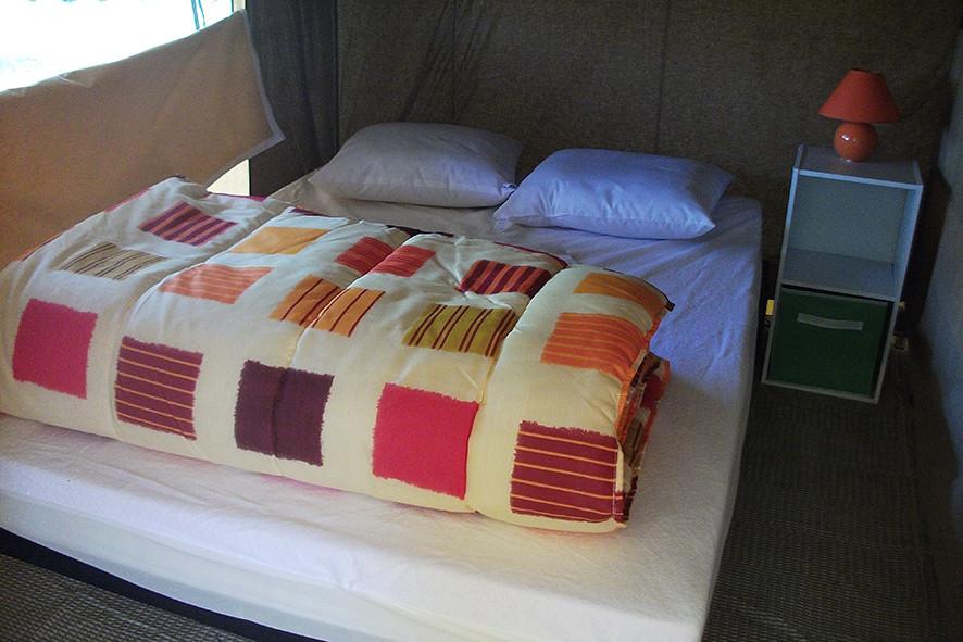 Camping Sites & Paysages  Les Saules à Cheverny - Loire Valley - Chambre tout confort