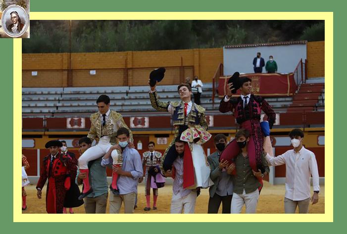 """Nueve orejas se repartieron los participantes en la novillada de """"reservas"""" de Ubrique"""