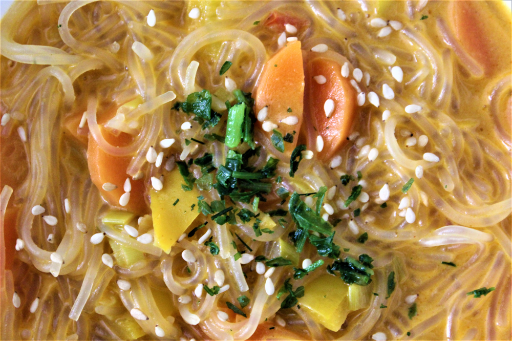 vegan vegetarian thai inspired asian glass noodle soup low carb gluten free healthy recipe curry