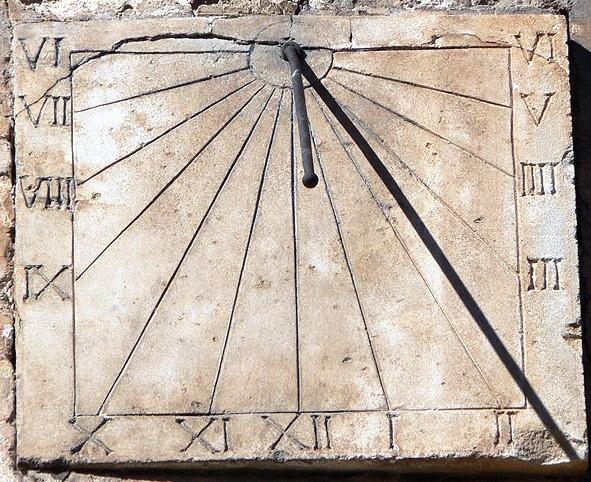 Reloj de sol romano (de los primeros hallados)