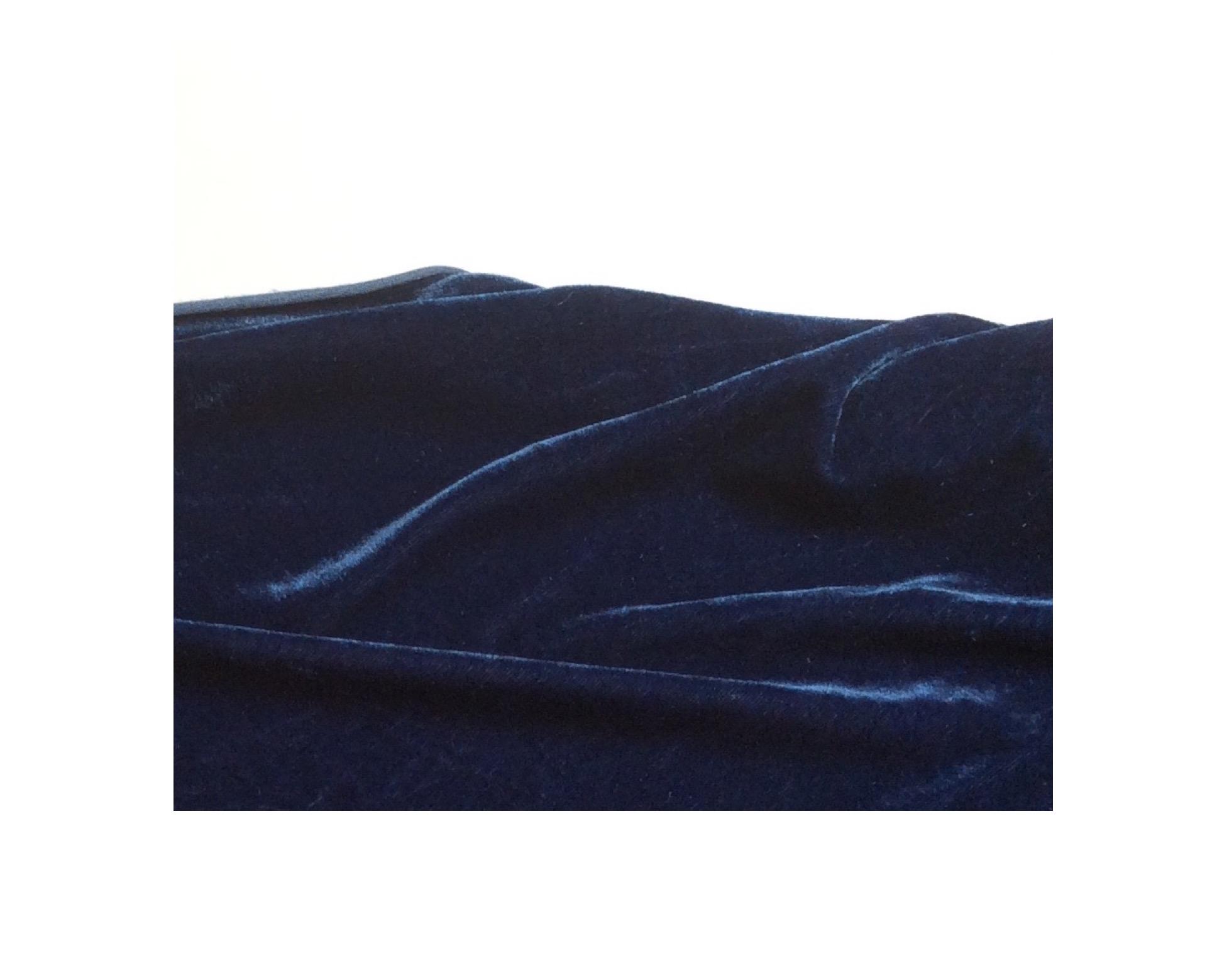 nachtblauer Samt
