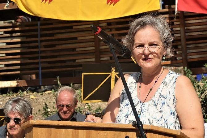 Grossratspräsidentin Renata Siegrist-Bachmann überbringt die Grüsse des Regierungsrats: «Es kommt Ehrfurcht auf vor dem, was hier geleistet worden ist.»