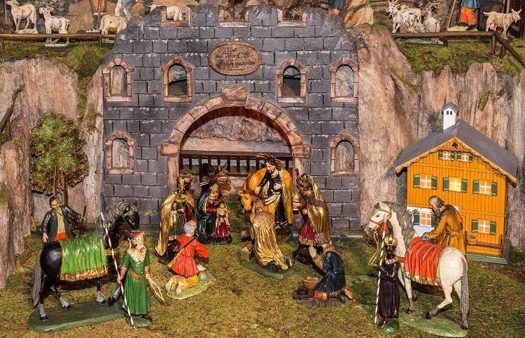 Huldigung der Hl. Drei Könige, Kirchenkrippe Bad Goisern