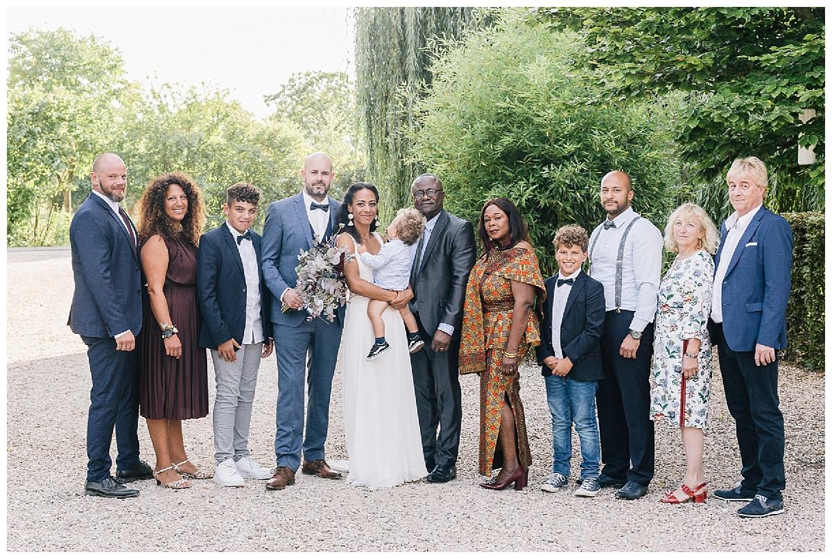 boho Gruppenbild Neimeshof Kempen boho Hochzeit freie Trauung Scheunenhochzeit Hochzeitsfotograf Niederrhein Jane Weber