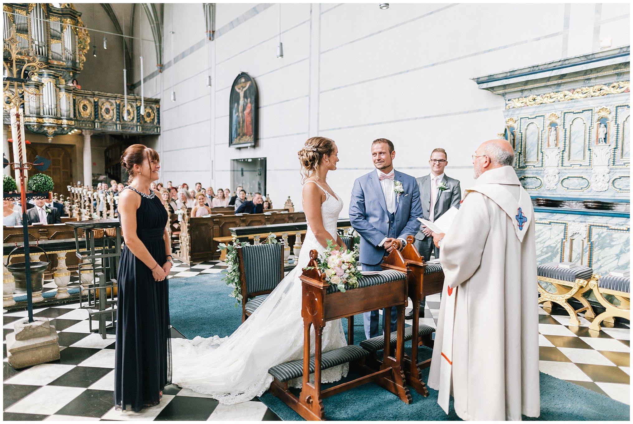 kirchliche Trauung Golfhotel Vesper Hochzeit Sprockhövel Hochzeitsfotograf Jane Weber boho chic vintage fine art