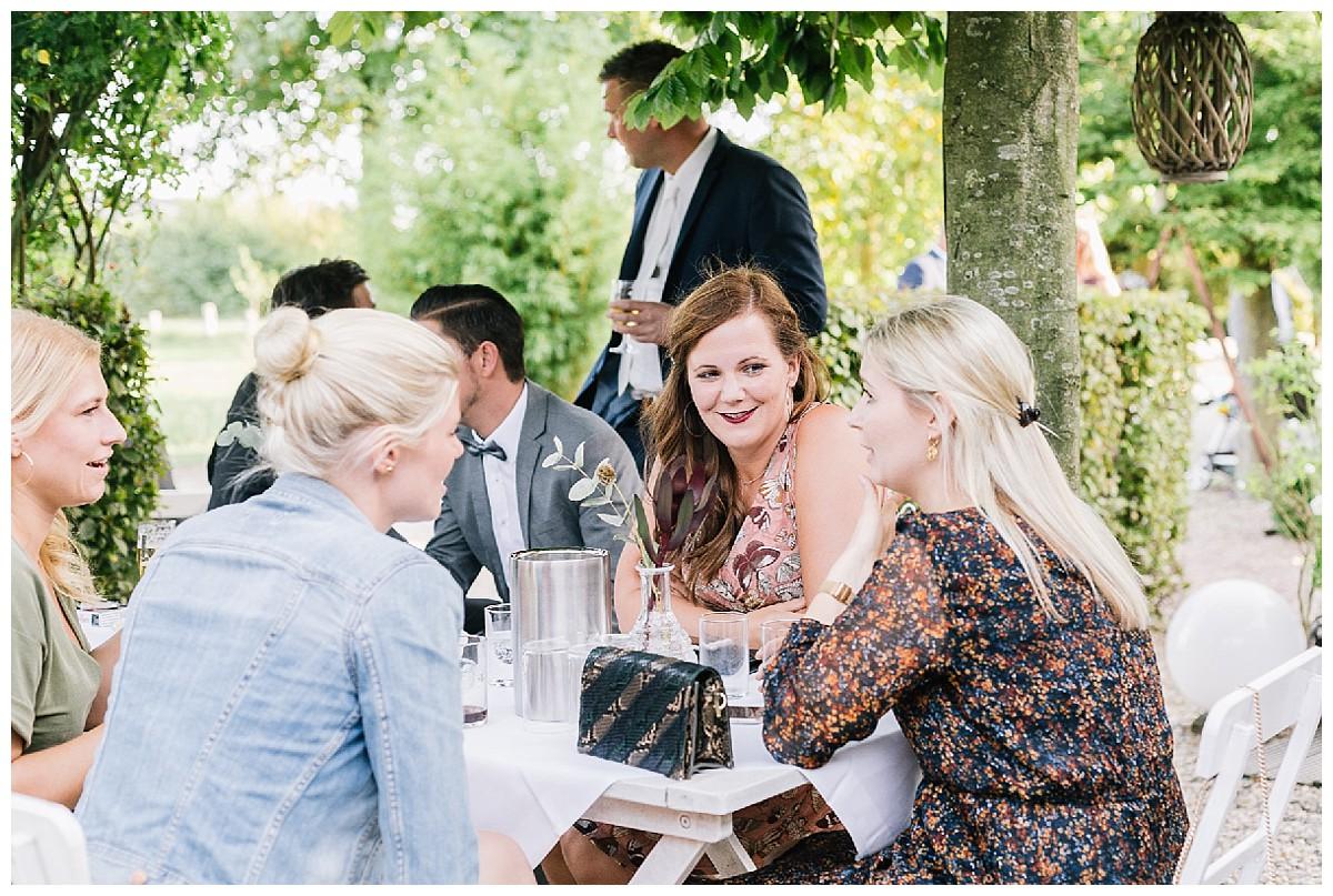Sektempfang Neimeshof Kempen boho Hochzeit freie Trauung Scheunenhochzeit Hochzeitsfotograf Niederrhein Jane Weber