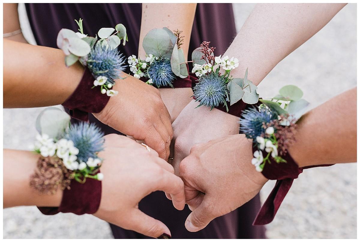 Brautjungfern Accessoires Neimeshof Kempen boho Hochzeit freie Trauung Scheunenhochzeit Hochzeitsfotograf Niederrhein Jane Weber