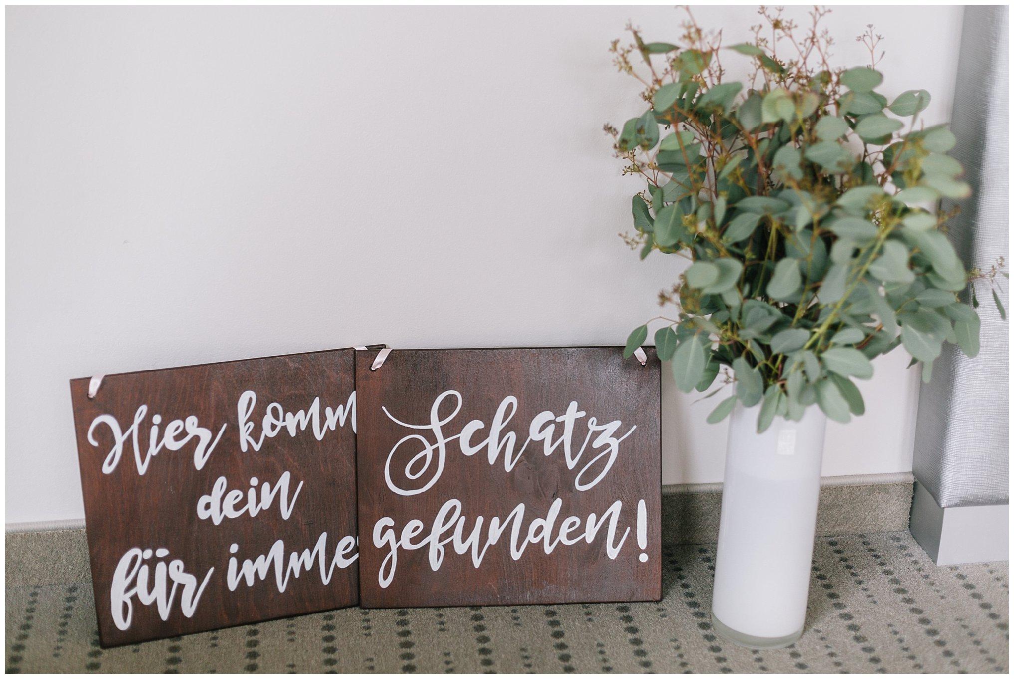 Schilder holz hochzeitGolfhotel Vesper Hochzeit Sprockhövel Hochzeitsfotograf Jane Weber boho chic vintage fine art