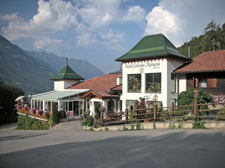 Leckeres Restaurant am Waldrand von Tschirland, sogar mit Shuttle-Service