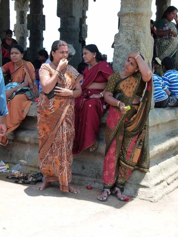 Wie überall auf der Welt - die Frauen tratschen