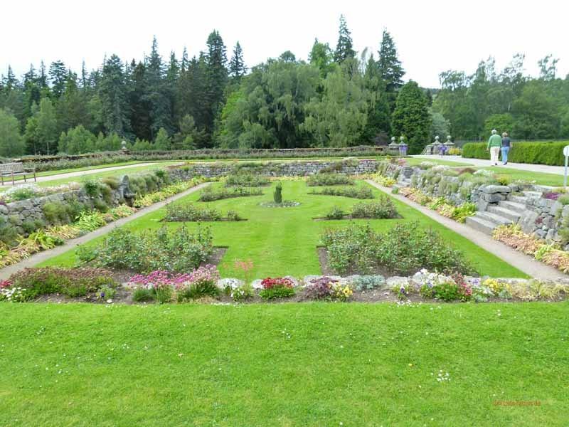 Blick in den Blumengarten, der von Prinz Philipp angelegt wurde