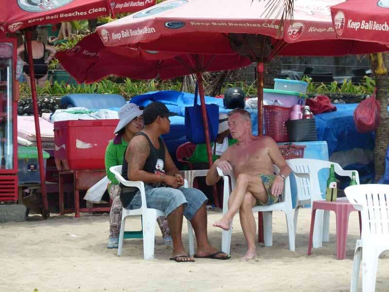Heisse Diskussionen am heissen Strand