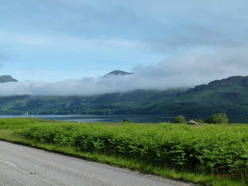 Immer am Loch Maree entlang