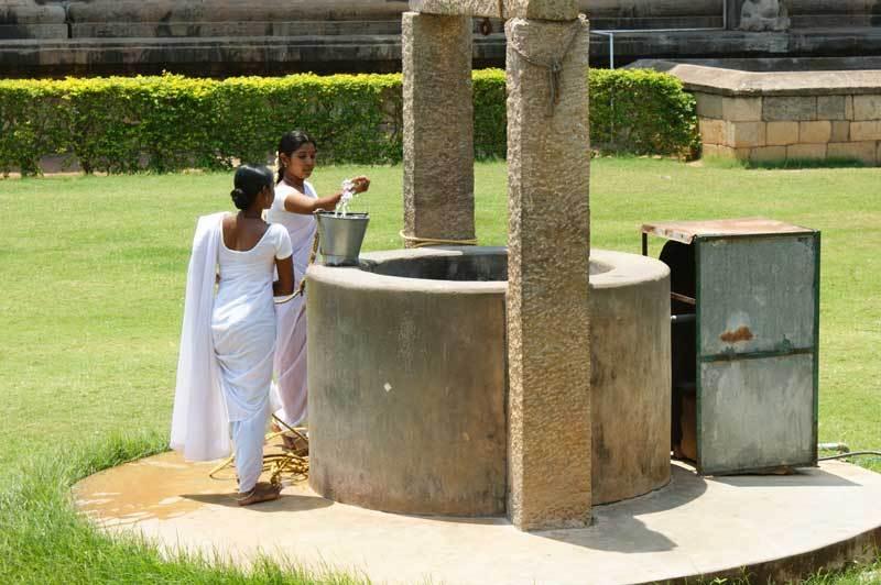 Ein Brunnen in der Tempelanlage