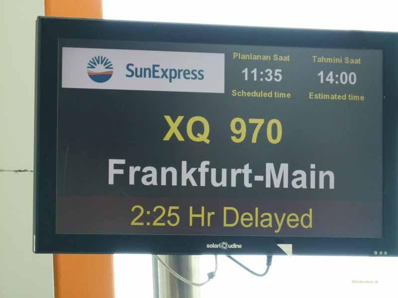 und mit Verspätung landen wir wieder in Frankfurt