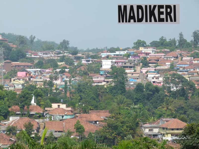 Blick auf Madikeri - 1.500 m hoch